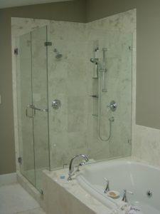 Shower-Door-w_soak-tub